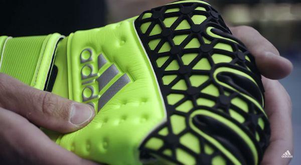 il dorso dei guanti Adidas Ace Zones Pro