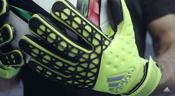 Gli Adidas Ace Zones Pro