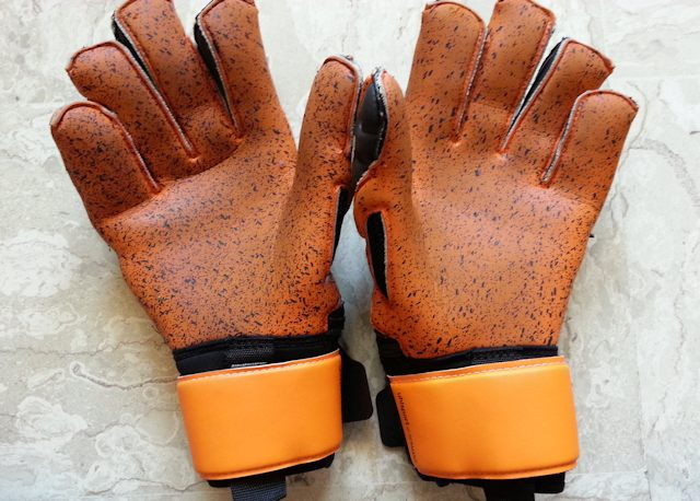 I guanti Uhlsport Supergrip usati